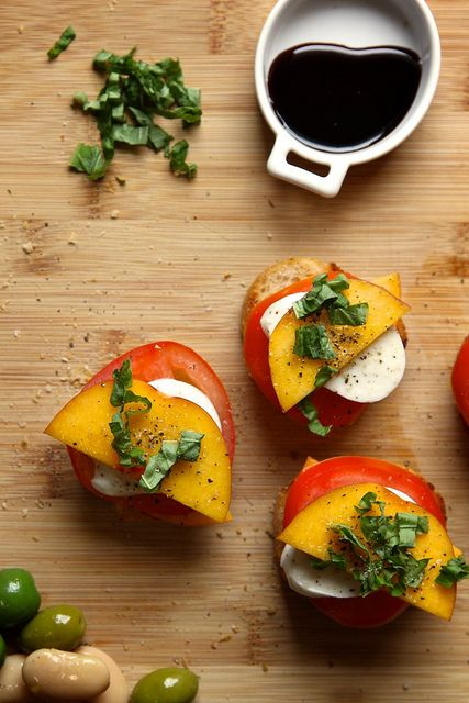 peach, tomato & mozzarella crostini