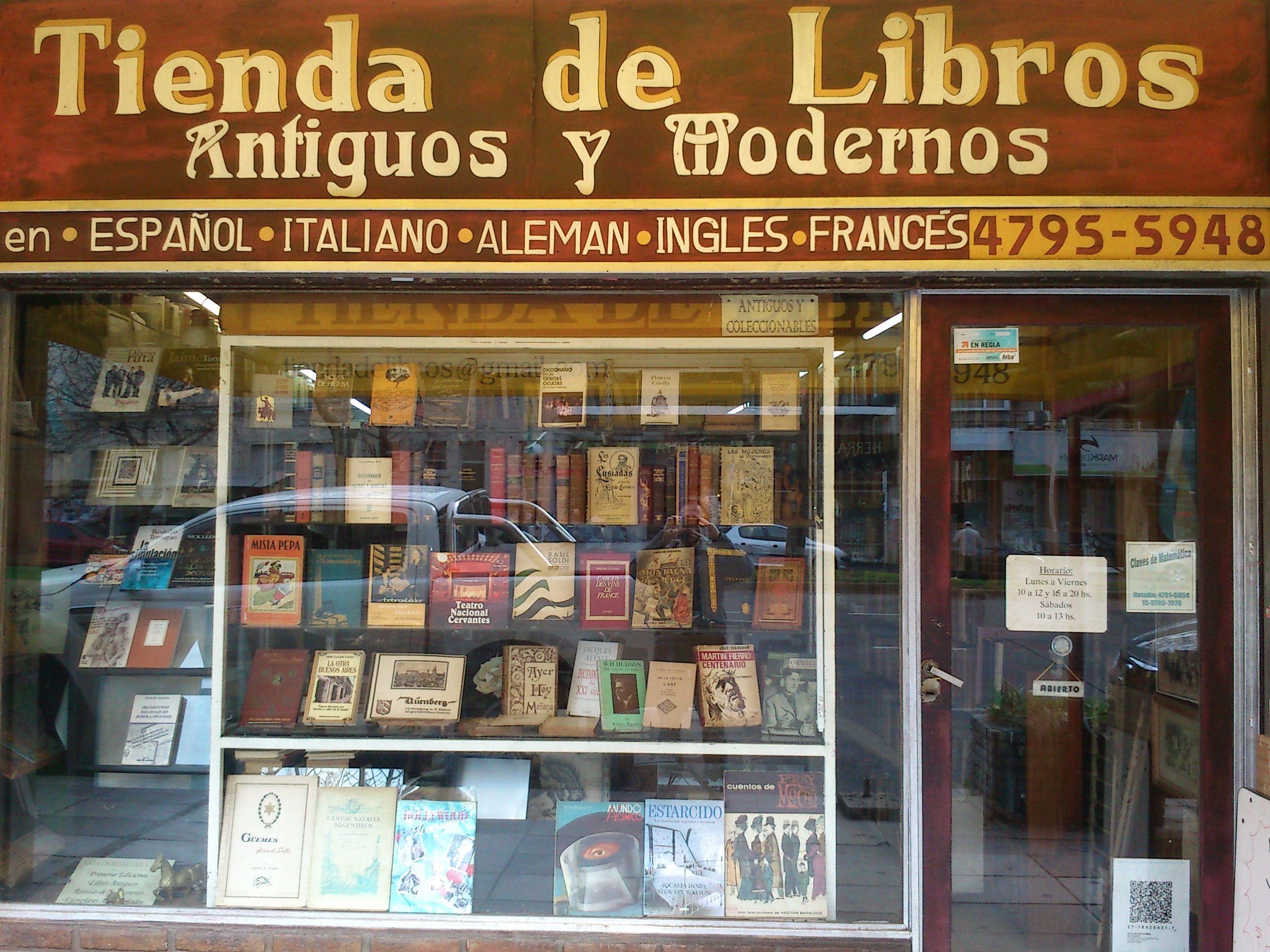 Una tienda de libros tiendas del mundo hispanohablante pinterest - Almacen de libreria ...
