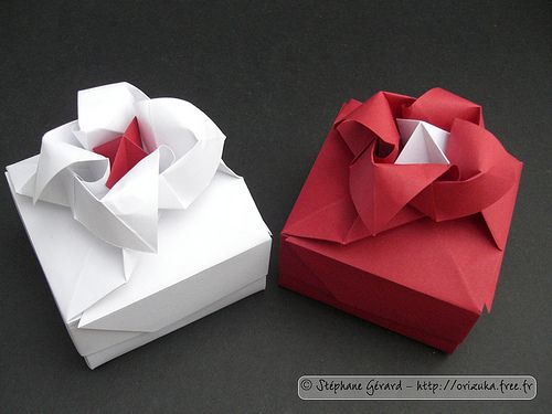 How to Make an Origami Magic Rose Cube « Origami :: WonderHowTo | 375x500