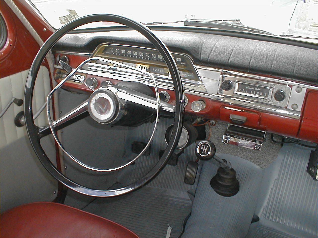1959 Volvo PV 544 (Such improvements over the '58: 3 point seat belts and a  padded dash).