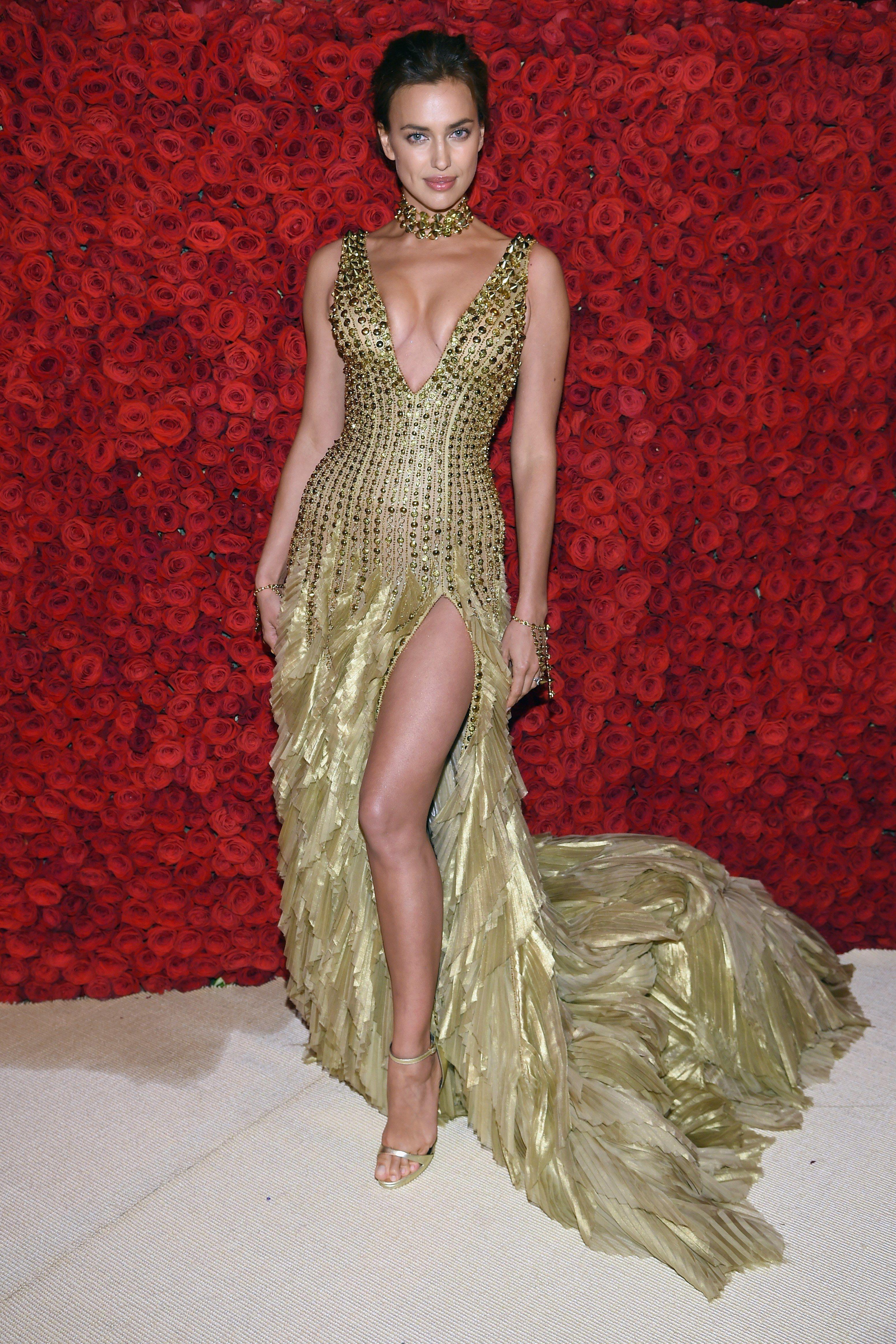 Met Gala 2018 Red Carpet All The Celebrity Dresses And Fashion Irina Shayk Style Met Gala Irina Shayk Dress