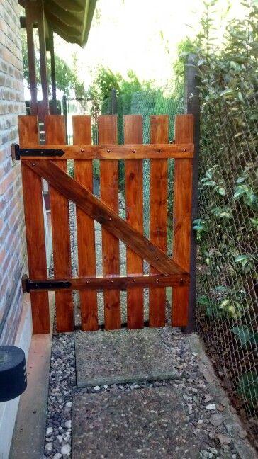 Tranquera madera pinterest madera puerta de madera - Puertas de madera para jardin ...