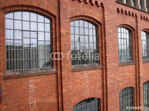 Sch ne gro e fabrikfenster einer alten fabrik mit - Fenster style ...