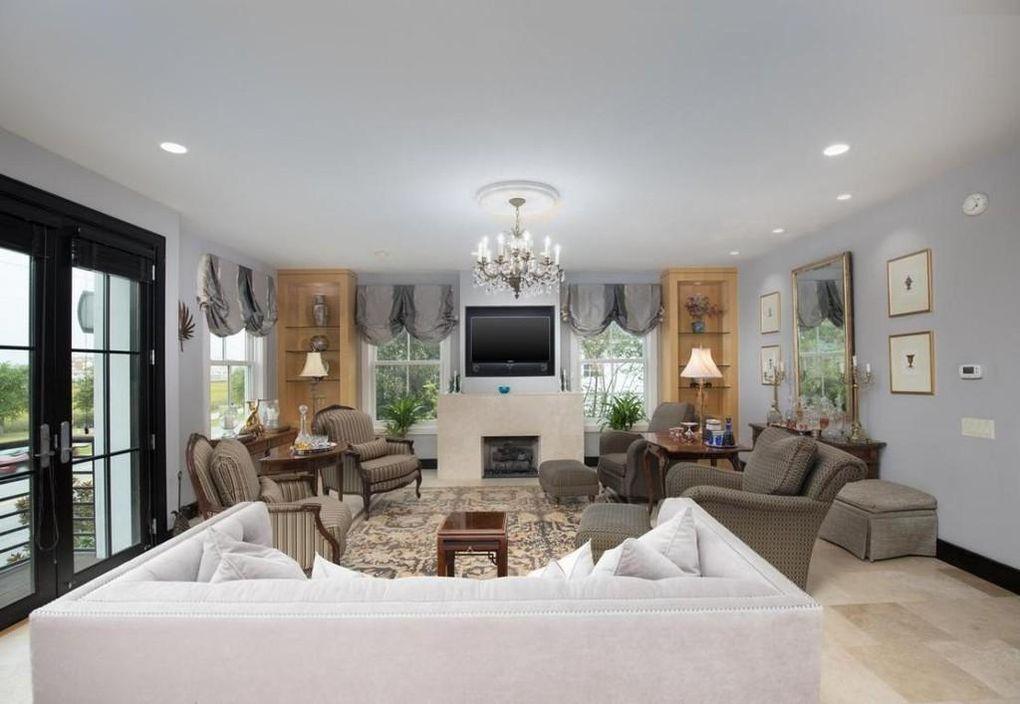 6 Lockwood Dr, Charleston, SC 29401   Home, Home decor, Decor