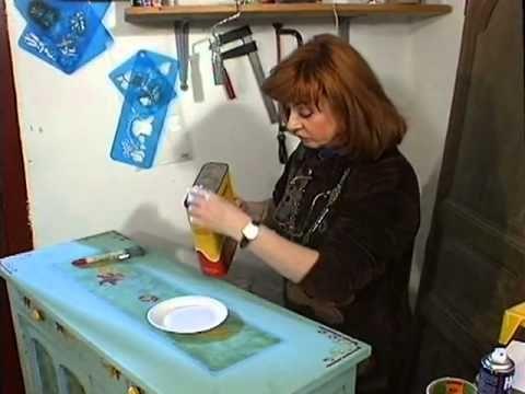 Comment peindre ses vieux meubles - Décoration - YouTube