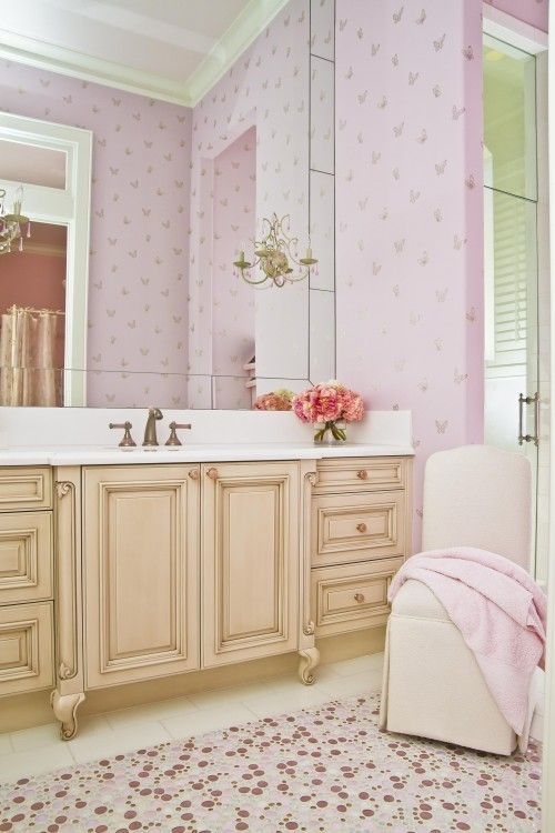 From Xiaxue S Photolog Love The Prettiness Of This Girls Bathroom Design Girls Room Design Pink Shabby Chic Bedroom