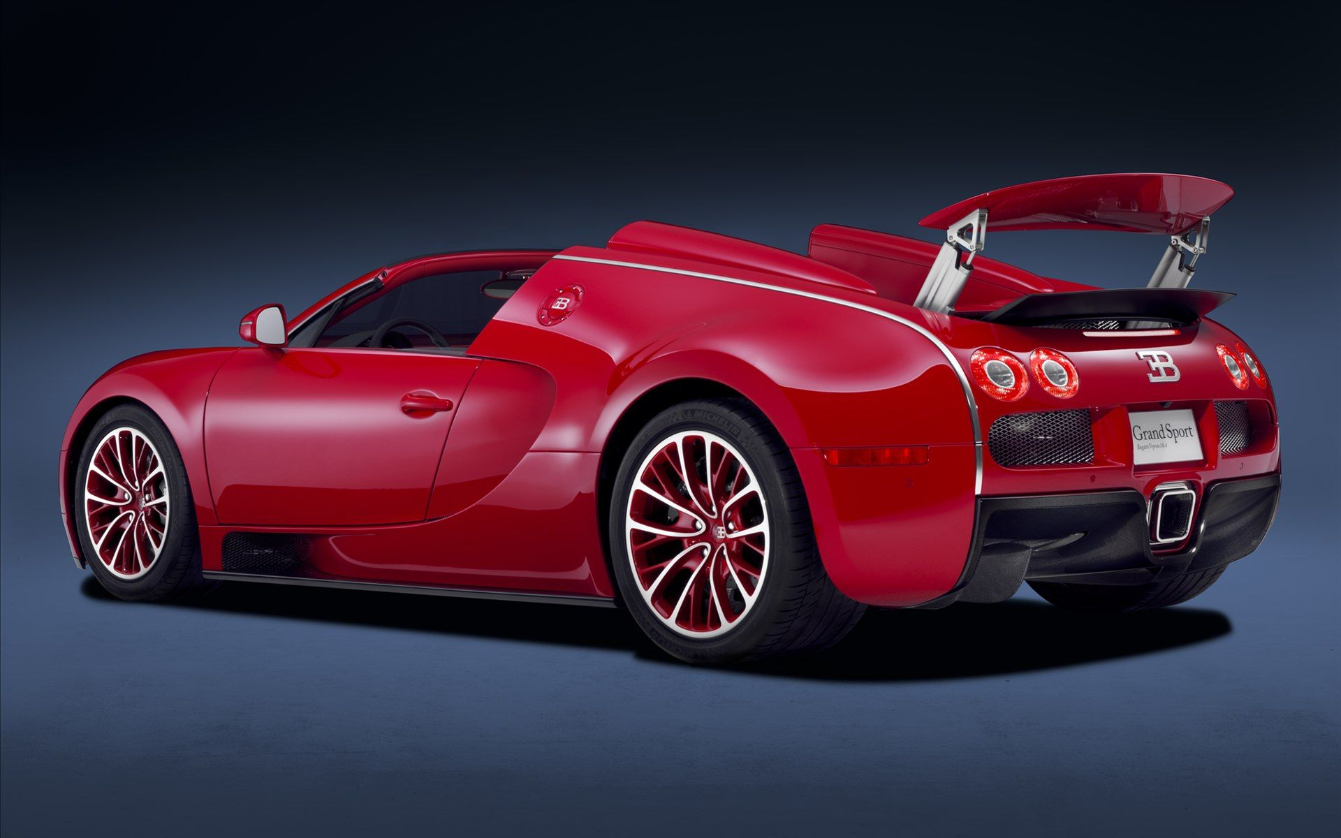 Bugatti Veyron I Pick This Because It A Fast And Cool Car Bugatti Veyron Bugatti Cars 2011 Bugatti Veyron