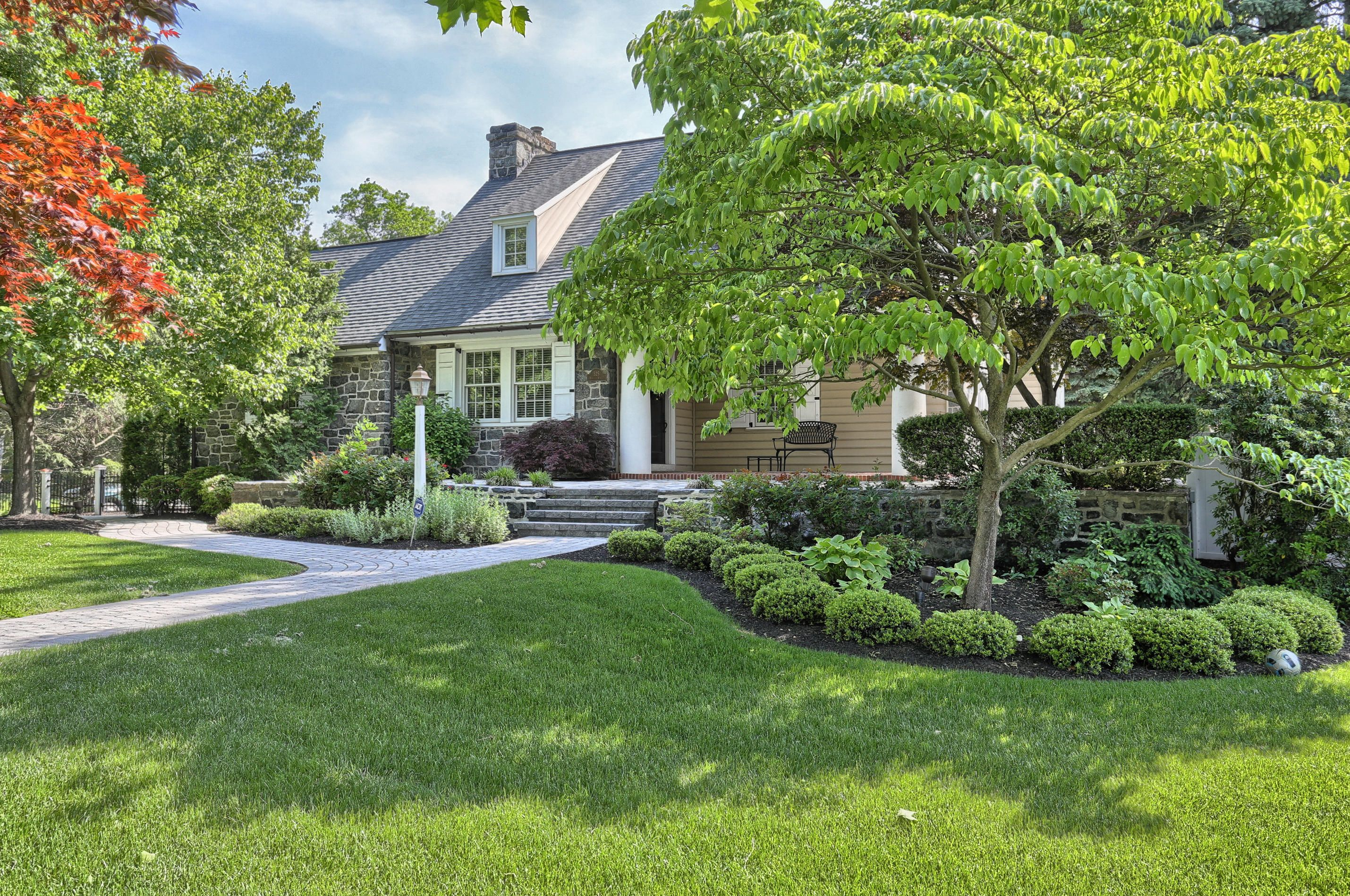 Landscaping From One Of My Favorite Houses In Elizabethtown Pa Exterior Landscape House