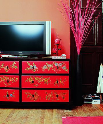 Ancient Chinese Style Interior Design, Its Red And Black Theme With Gold  Accents