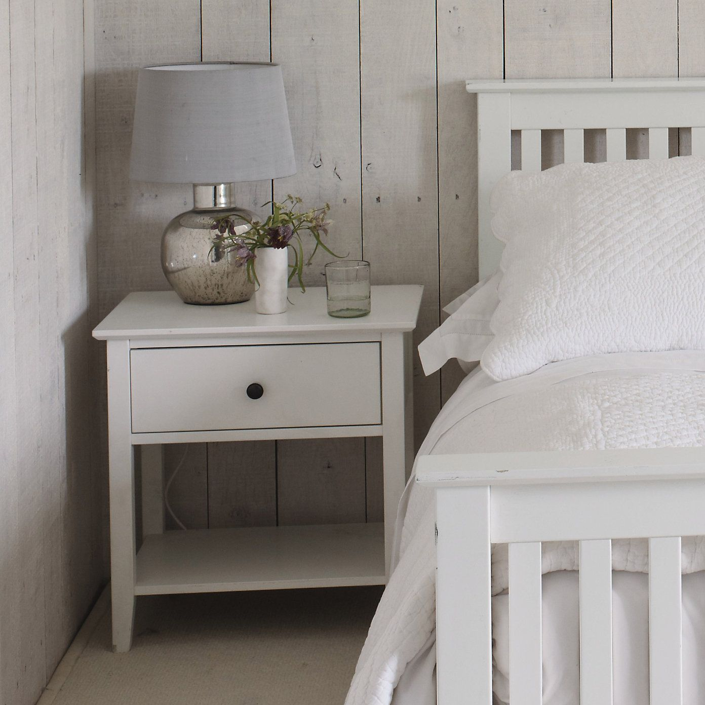 White company hampton bedroom furniture for the home for Bedroom ideas hamptons