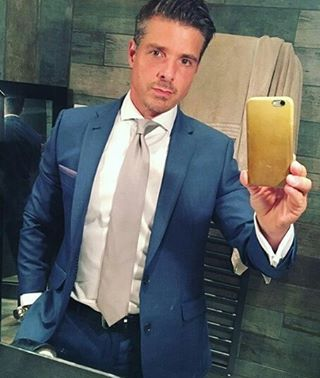 Matt jordan's style. Blue suit and silver tie. Beautiful ...
