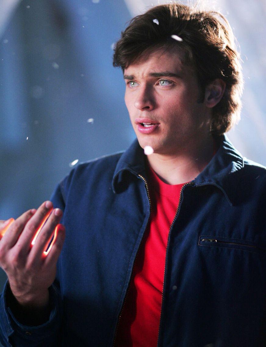 Clark Kent Smallville Com Imagens Homens Lindos Homens