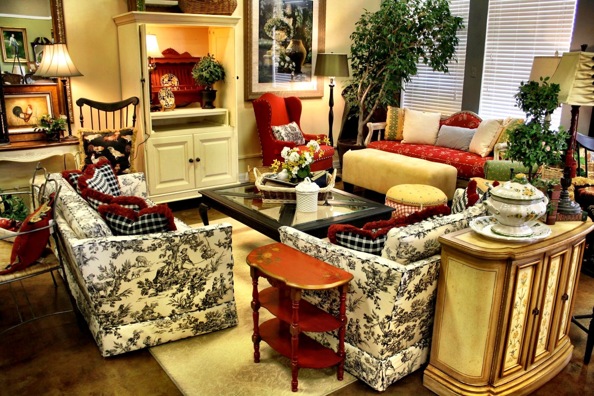 FRENCH COUNTRY PERFECTION At The Largest Upscale Resale Furniture Home Decor Store In St Louis