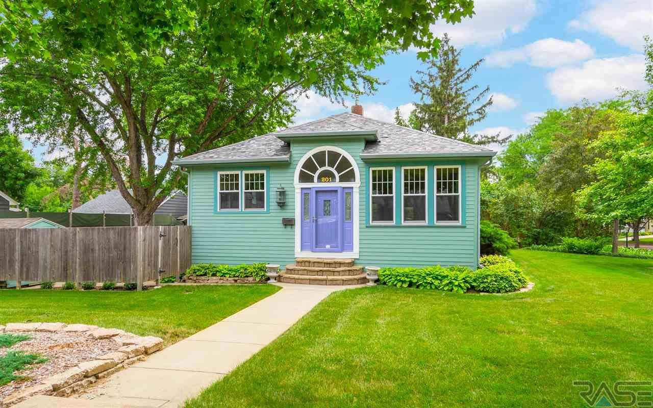 201 E 26th St, Sioux Falls Outdoor structures, Home and