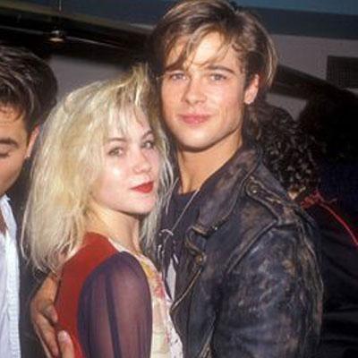 Brad Pitt y Christina Applegate Una de las que más me ha sorprendido tremendamente porque no tenía ni idea. Por aquellas, ella era muy famosa por esa serie tan vomitiva 'Matrimonio con Hijos'. El caso es que formaban parte del mismo grupo de amigos y el roce, pues hace el cariño, todos lo sabemos.