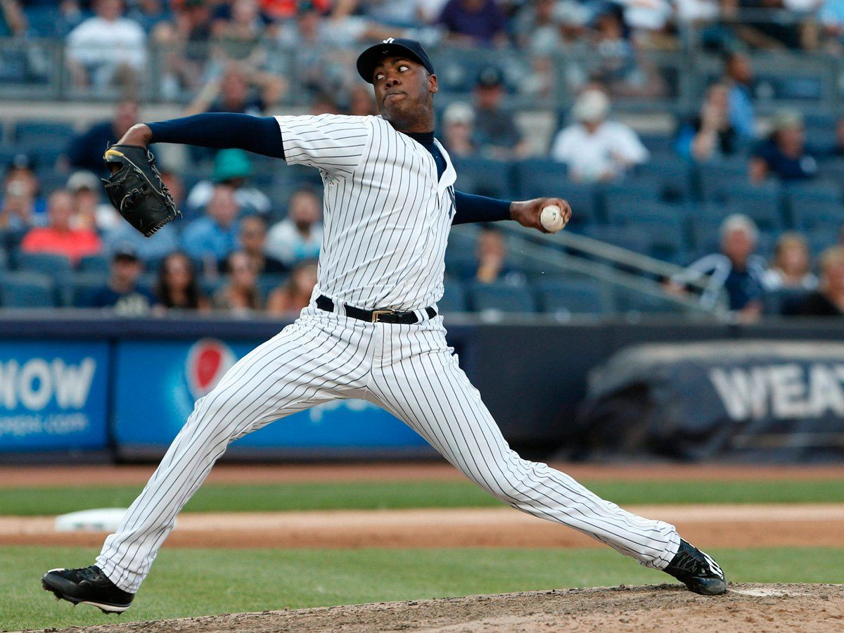 The Yankees Are Reportedly Close To Trading Aroldis Chapman As The Cubs Go All In To Win The World Series Business Insider Aroldis Chapman New York Yankees Yankees