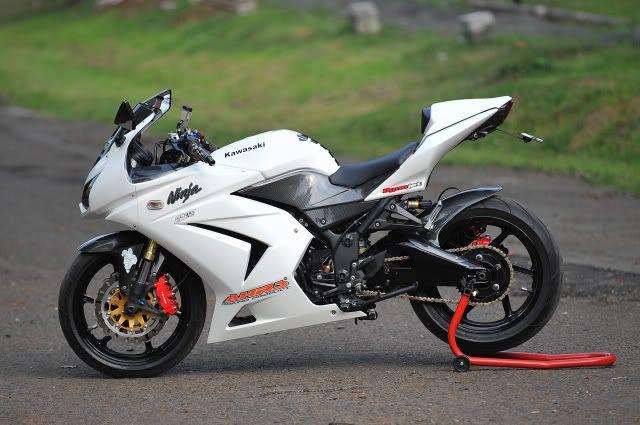 white kawasaki ninja 250r | motorcycles and ninja 250 | kawasaki