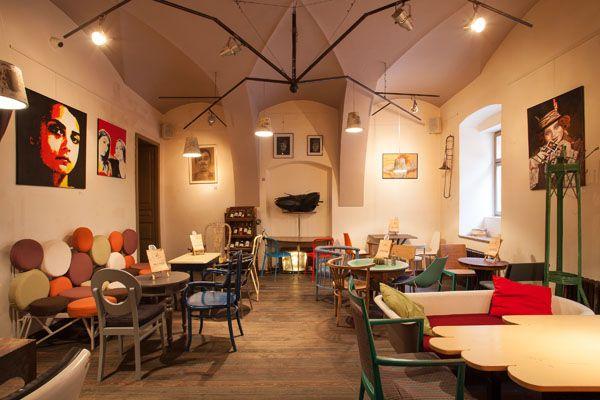 Eclectic Coffee Shop Design In The Heart Of Transylvania Colaj