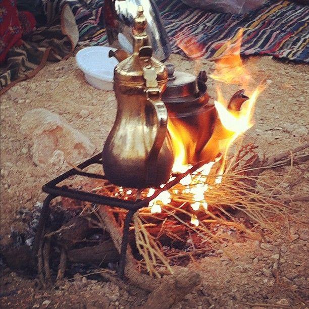 شب النار وتصليح القهوة والشاهي امر اساسي Meemo0 Webstagram Arabic Coffee Chocolate Coffee Coffee Table With Storage