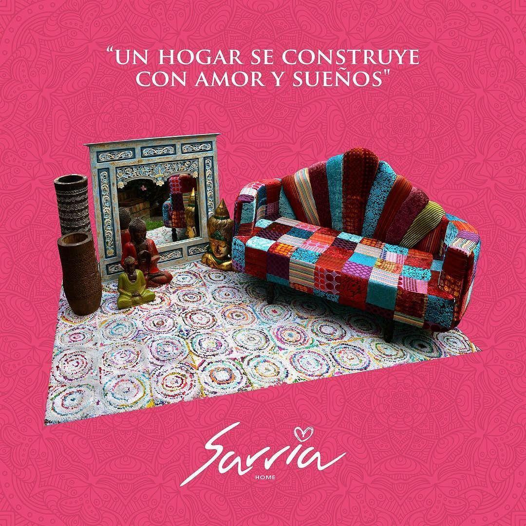 """Frases de mamá: """"Una casa está hecha de paredes y vigas; un hogar se construye con amor y sueños"""""""