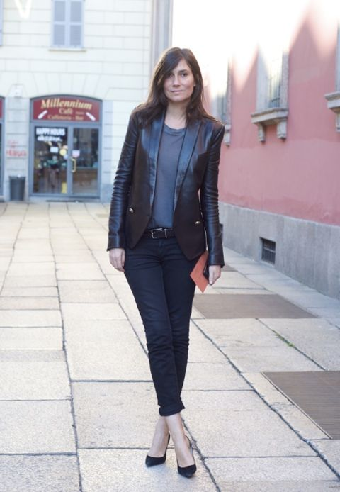 Emmanuelle Alt in all her glory. A structured leather jacket #vogue