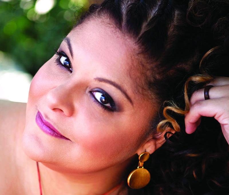 A Caixa Cultural recebe show Canto Sagrado, dia 9 de setembro, às 20h, como parte do projeto Samba de Bamba e tem entrada a R$ 20.