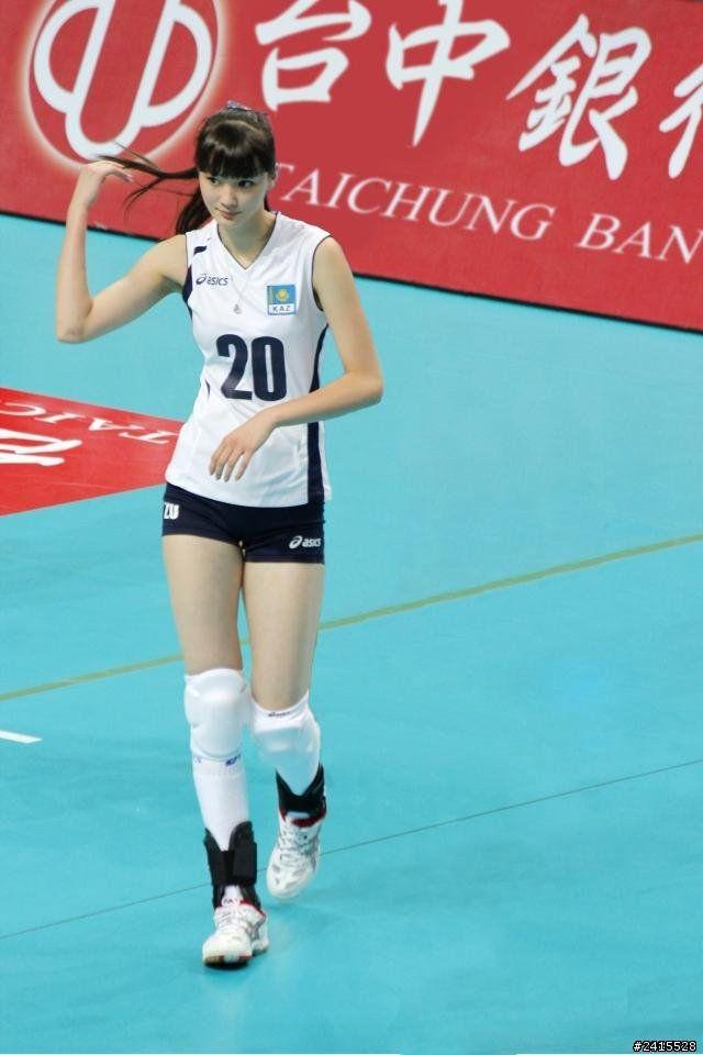 Sabina Altynbekova Seorang Atlet Voli Berpostur Ideal Cantik Dan Terpopuler Di Kazakhstan Pemain Bola Voli Atlet Bola Voli