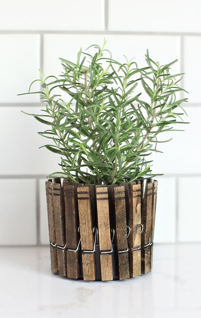 I love these!! In a laundry room, porch, mud room... Anywhere really. Super cute DIY  DIY CLOTHESPIN HERB PLANTERS » 7th House on the Left