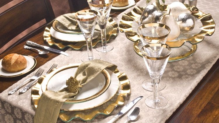 1000+ images about Table settings on Pinterest | Dinner table ...