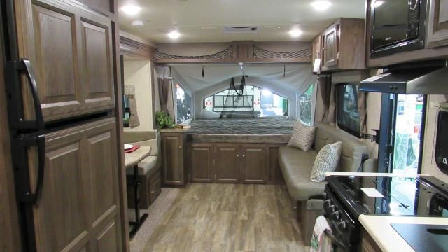 2017 Flagstaff Shamrock 233s Hybrid Trailer With 3 Tent Beds And Slide Out