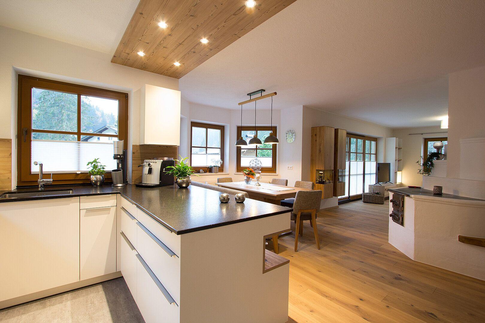 Küchen- und Wohnzimmereinrichtung