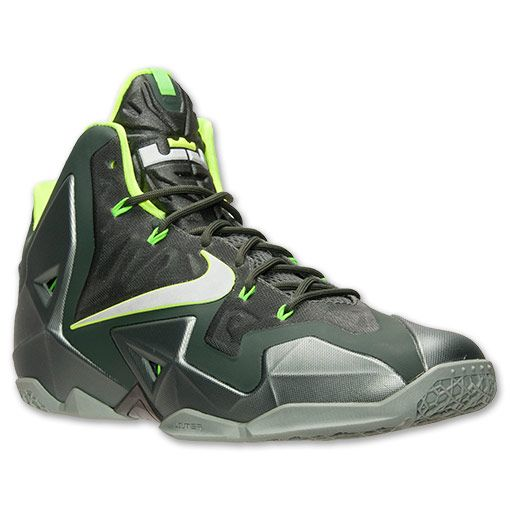 info for 2d12b a1bf3 Nike Men s LeBron XI Basketball Shoes