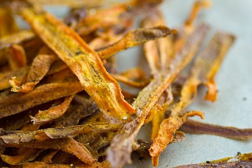 Curried Baked Carrot Chips | Meatless Mondays