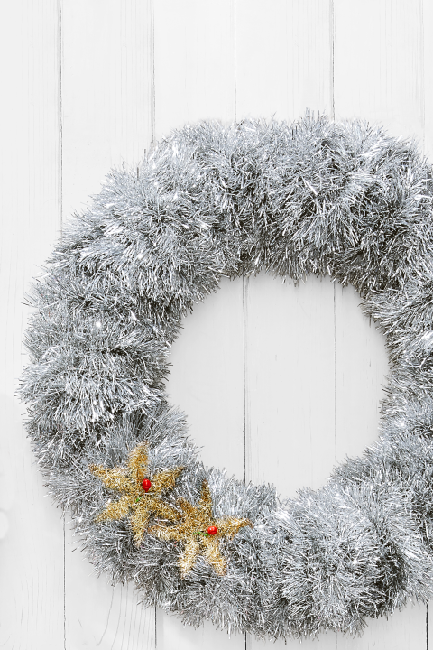 80 Diy Christmas Wreaths To Give Your Guests The Prettiest Welcome Christmas Wreaths Diy Christmas Wreaths To Make Holiday Wreath Craft
