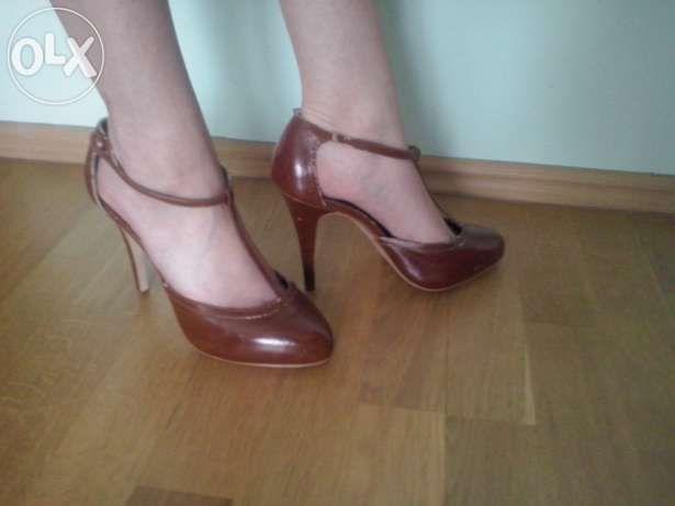 Sliczne Szpilki Na Obcasie Retro Brazowe Czolenka Na Platformnie Shoes Character Shoes Heels