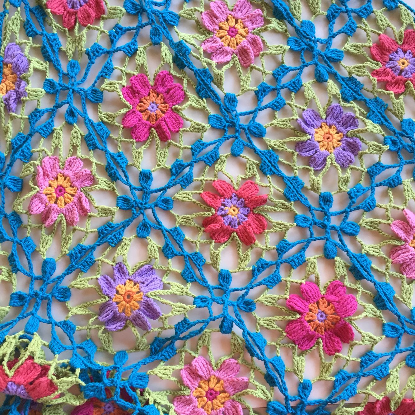 Made by me, Drops Safran Japanese Flower Shawl | manteles ...