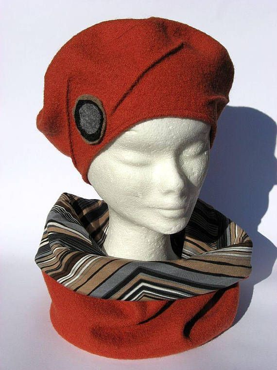 basco francese con sciarpa tubolare di lana beige set  7dbcf1ad9123