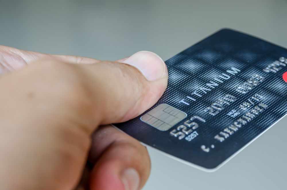 Does closing an unused credit card hurt my credit score