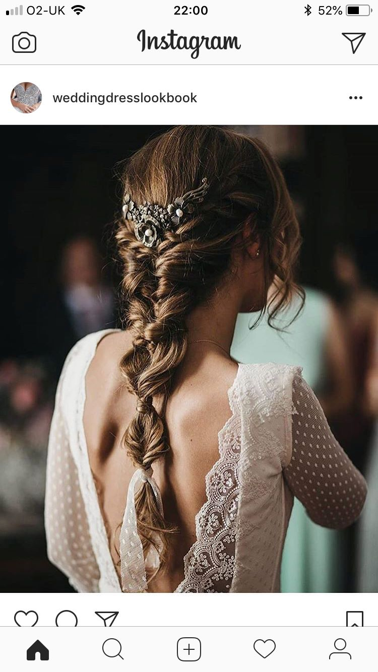 Love the cascading variety of braids. I also like how it tucks in to make it more slimming. Don't know if that limits what you can do with the rest of the braid and tendrils #combs