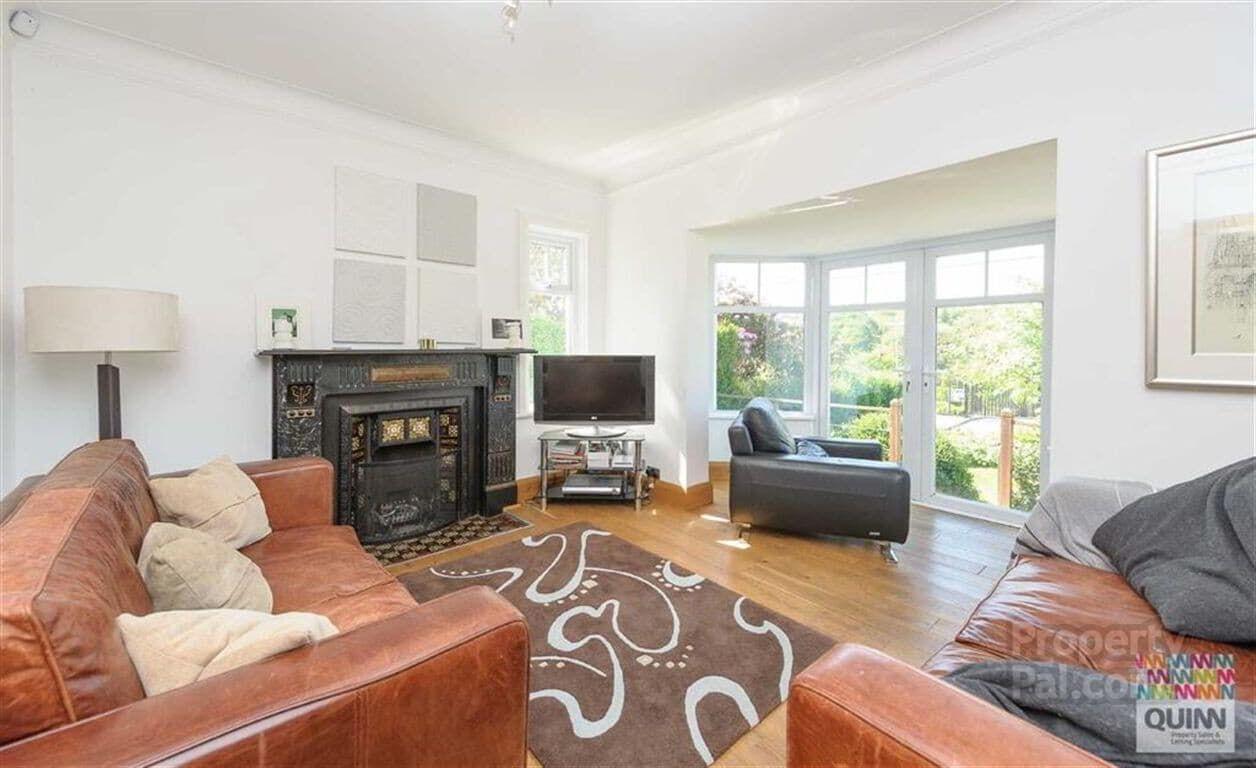 10 Church Road Ballynahinch Livingroom