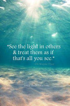 """""""Dê vibrações de felicidade para aqueles que estão sofrendo. Deixe que essas vibrações positivas se espalhem ao redor. Todos são minha família, meus irmãos. Então seja um instrumento para transformar o mundo. Deixe que sua face, seu comportamento, suas palavras e suas ações sejam tais que aquele que ver você ficará muito feliz. Para isso você não precisa lembrar de alguém em particular mas compartilhar com o mundo a luz e a força que você recebe do Ser Supremo. O mundo todo está pronto para…"""
