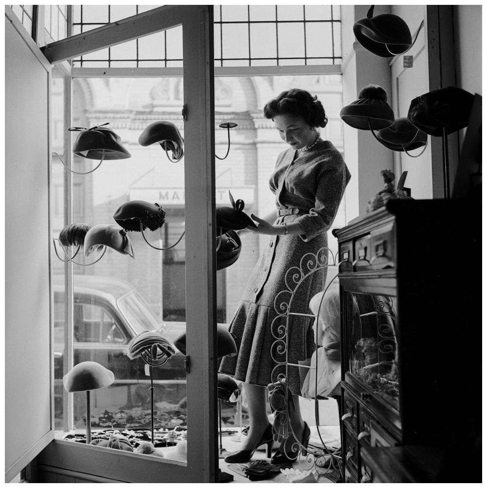 Pamela Parks Who Runs A Successful Millinery Business In Newark At The Age Of Just 16 1955 Vintage Millinery Millinery Hats Vintage