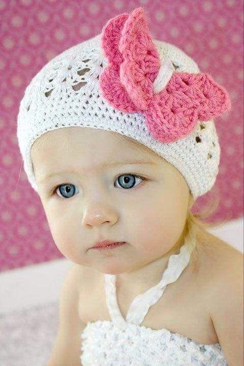 La imagen puede contener: 1 persona, bebé y primer plano | Gorros ...