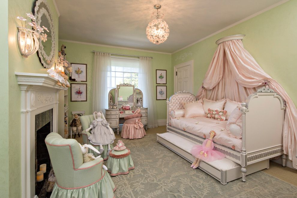 Dazzling White Daybed With Trundle In Kids Victorian With