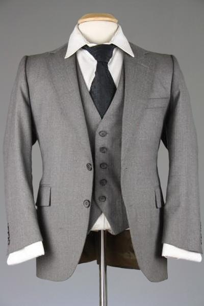 fb50eca341f7c9 Vintage Eagle Clothes Gray Pinstripe Wool 3 Piece Suit 40 S Monkey Sui |  ModLines