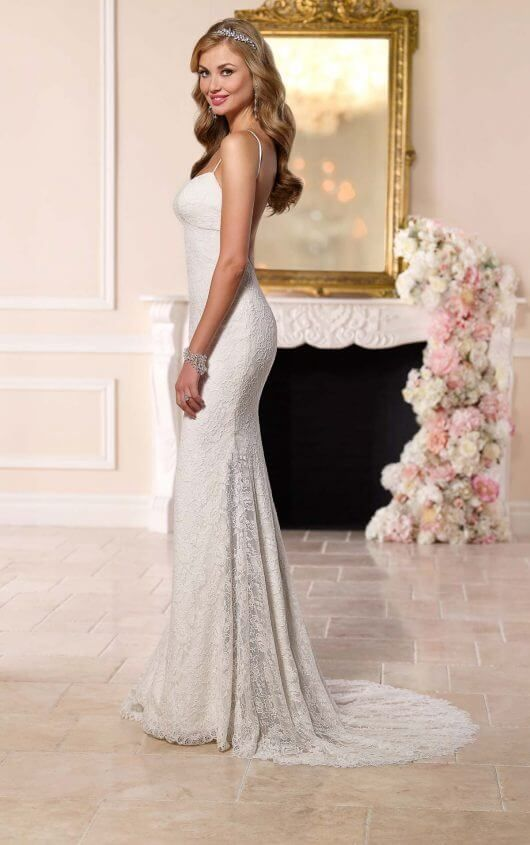 Brautkleid mit atemberaubend tiefem Rückenausschnitt | Stella york ...