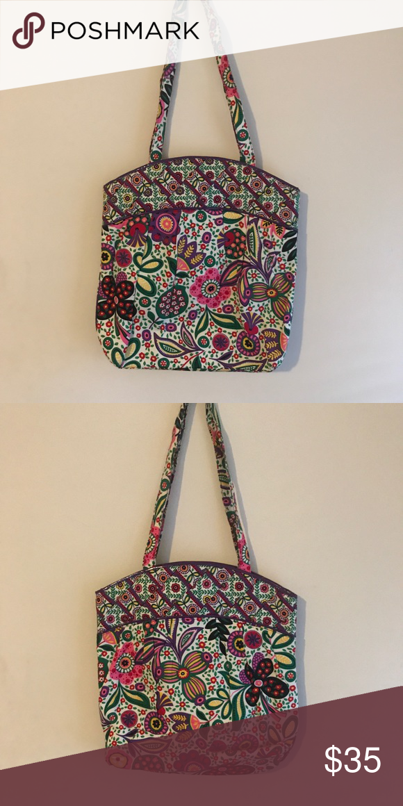 4a3cebcaf245 Vera Bradley floral tote bag Vera Bradley floral quilted tote bag. Shoulder  straps. So
