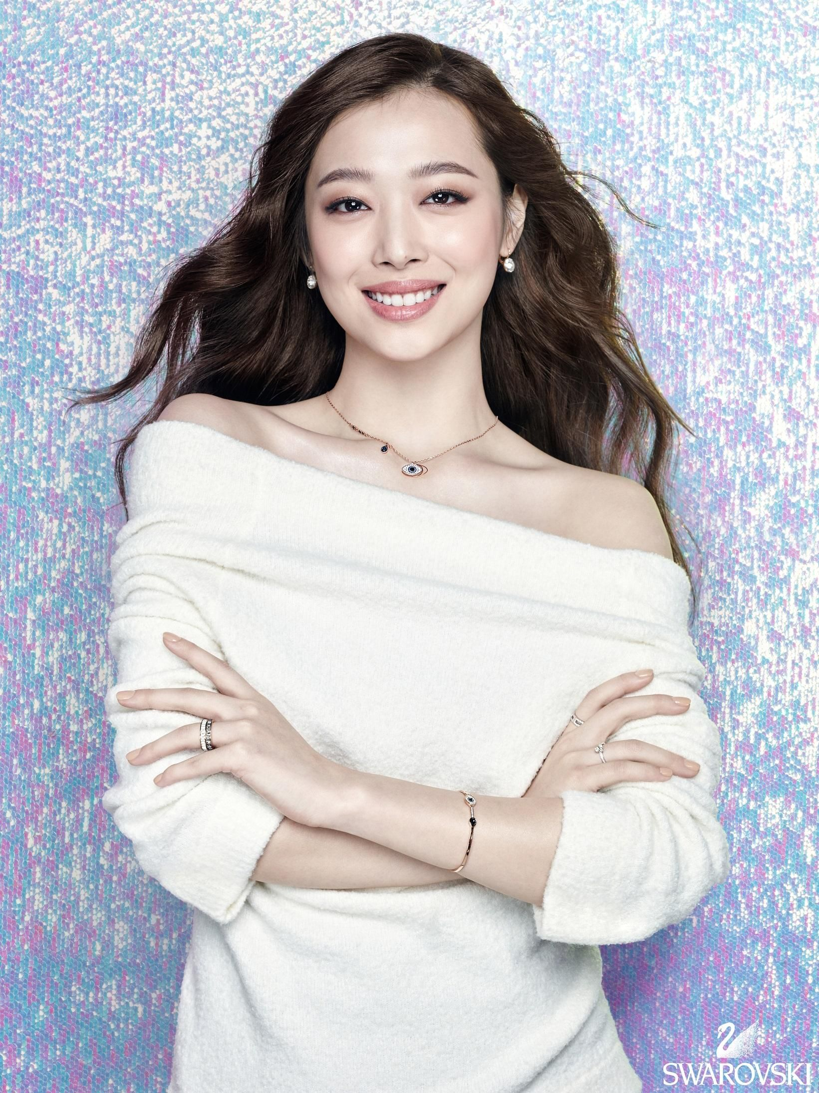 sulli is sophisticated in 'swarovski' for mature pictorial! | koogle