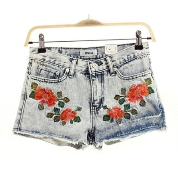 Ios h&m rose patch denim shorts Looking for these embroidered rose denim shorts  H&M Shorts Jean