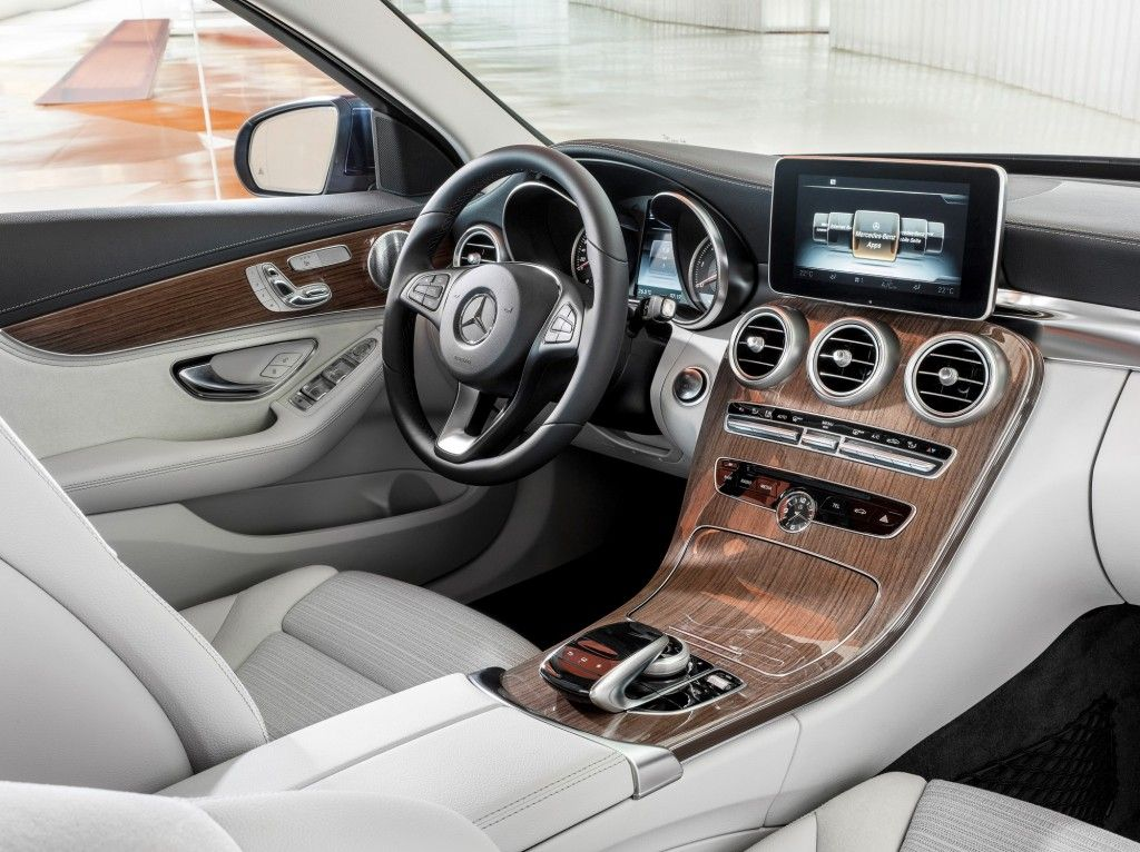 2015 Mercedes Benz C Class Brings Serious Style To Segment Photos